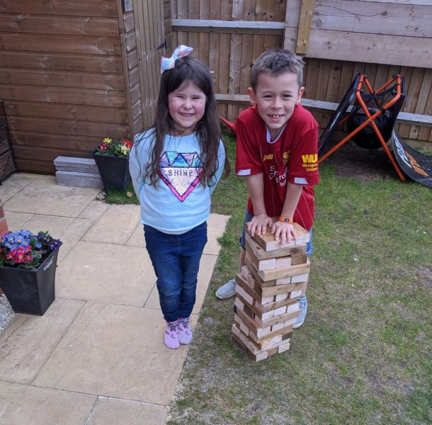Blake-and-Khloe-garden-jenga