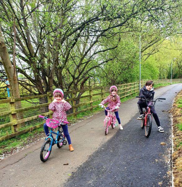 Poppy-Carmen-bike-riding