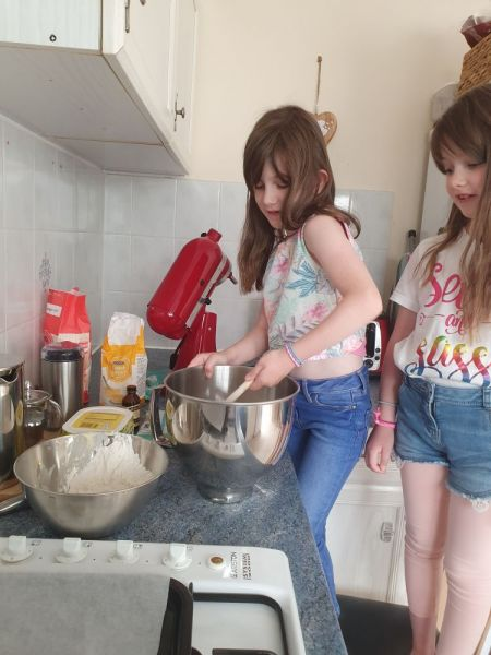 Poppy-carmen-cooking-5